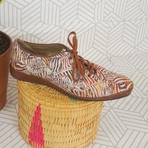 Vintage Zebra Stripe brown leather lace up loafer